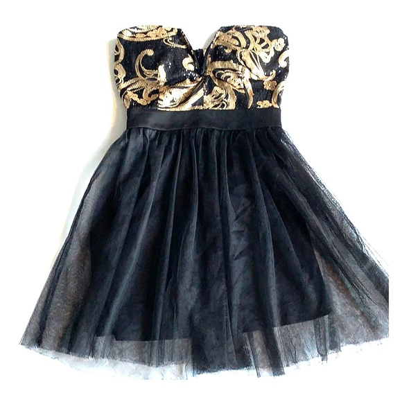 Windsor Dresses & Skirts - 🛍🛍 Windsor Sequin Gold & Black Tulle Dress Med